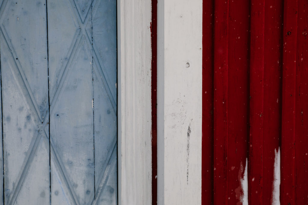 photography wood red blue white