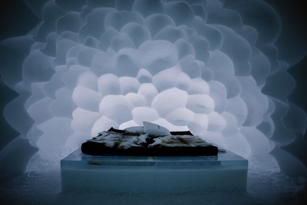 Jukkasjärvi icehotel sweeden room