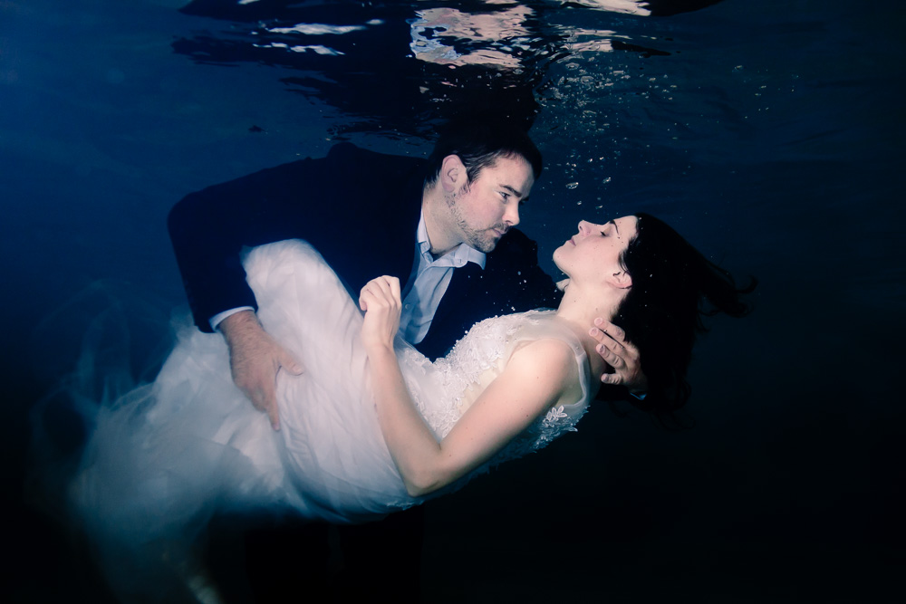 underwater wedding photography