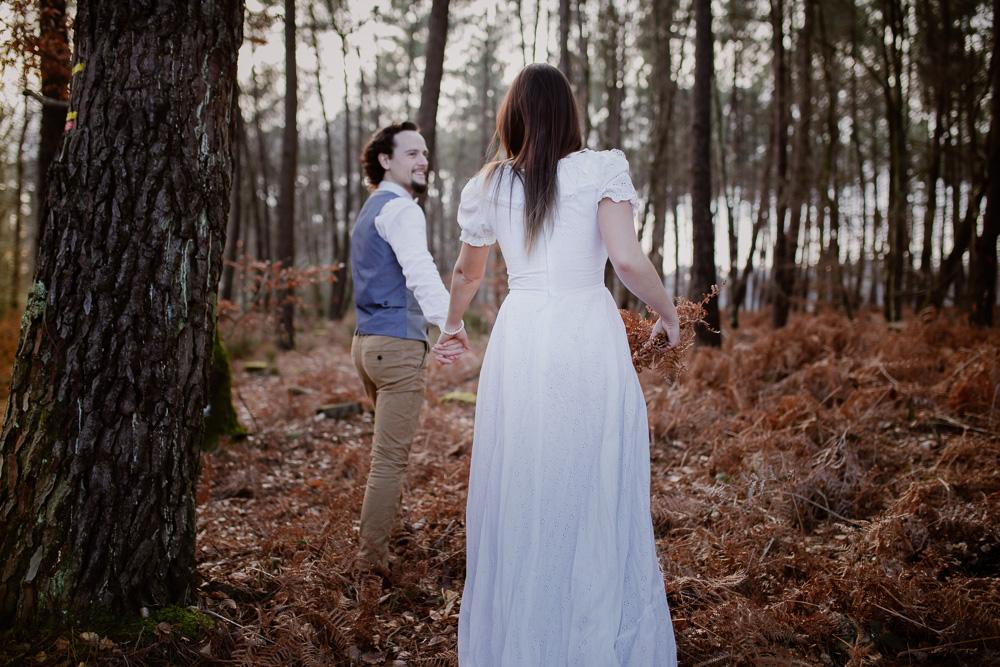 elopement forest france couple